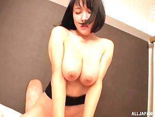 Couple,Japanese,Toys,Vibrator,Natural Tits,Panties,Big Tits Hanyuu Arisa gets her hairy pussy...