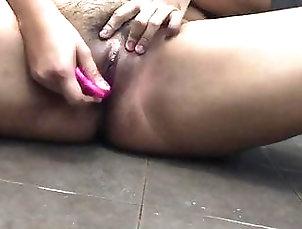 Amateur;Asian;Close-up;Squirting;Girl Masturbating Quick Squirt