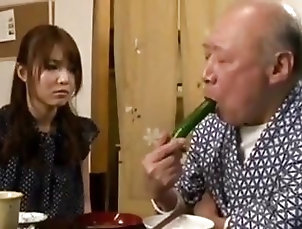 Japanese;She Knows;Thinks The carer thinks she knows...