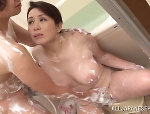 Mature,Asian,Japanese Sexperienced milf will give him so...