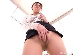 Reality,Asian,Japanese,Pantyhose,Nylon,Masturbation,Office Sexy Japanese milf masturbates her...