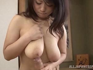 Couple,Hardcore,Asian,Japanese,Natural Tits,Big Tits A guy lays his cock between a...