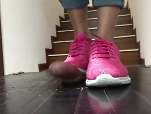 kink;teenager;young;feet;filipina;pinay;crushing;cock;crush;cockcrush;stomping;stomp;cock;stomp;shoejob;shoes;job;footjob;fetish,Asian;Teen;Feet;Korean;60FPS;Japanese Pink Nike stomp