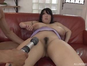 Couple,Japanese,Big Tits,Natural Tits,Chubby,Toys,Vibrator Big breasted Shizuku Amayoshi spreads...