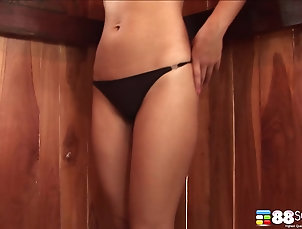 Asian,Solo Models,Masturbation Lonely Milk Yada plays with herself...