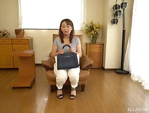 Solo Models,Masturbation,Japanese,MILF,Bra,Panties,Amateur Amateur solo video of Japanese mature...