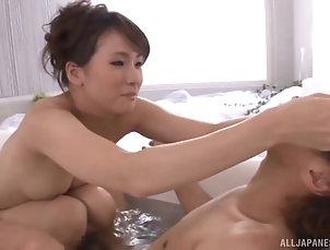 Couple,Hardcore,Asian,Japanese,Natural Tits,Bath Oversexed Japanese beauty takes...
