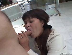 Mature A sweaty mature Asian woman gets...