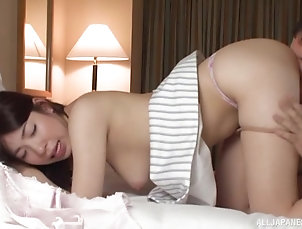 Couple,Japanese,Natural Tits,Bra Sucking on a cock pleases Mio Kayama...