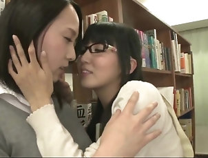 Lesbians;Japanese;Kissing;HD Videos hunt-881