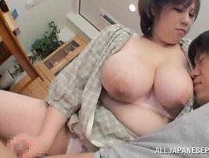 Asian,Big Tits,Couple,Handjob,Japanese,MILF Mayu Koizumi drives some guy crazy...