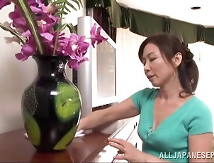 Asian,Japanese,Mature,Reality Mature Japanese woman fingers her...