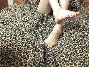 kink;teenager;young;foot-fetish;asian-fetish;asian;cum-on-feet;feet-cumshot;asian-feet;cum-in-one-minute;premature;premature-handjob;fast-handjob;milking-handjob;dirty-feet;handjob,Asian;Babe;Brunette;Handjob;Teen;Feet;60FPS;Verified Amateurs Handjob milking on feet