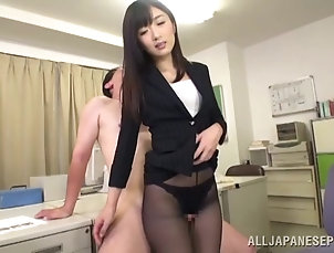 Couple,Hardcore,Asian,Japanese,Reality,Office,Fetish,Foot Fetish,Pantyhose,Nylon,Miniskirt Lovely Asian office girl delivers a...