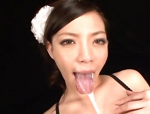 Asian,Japanese,Brunettes,Swallow,Cumshot,Hardcore,Amateur Maki Oda blows devotedly and gets her...