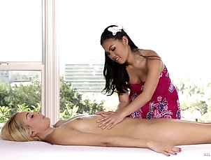 Lesbian,Reality,Massage,Asian,Foot Fetish On vacation Aaliyah Love gets a...