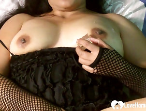 Solo Models,Asian,Masturbation,Fishnet While wearing a kinky outfit, this...