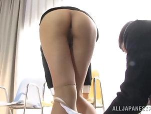 Asian,Couple,Fingering,Japanese,Nice Ass,Panties,Pantyhose,Toys Reira Aisaki shows off her ass to...