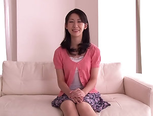 Solo Models,Asian,Japanese,Masturbation,Brunettes,Amateur Hitomi Honjou entertains herself by...