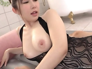 Couple,Japanese,Big Tits,Natural Tits,Bath,Cowgirl After relaxing massage Rinne Touka...
