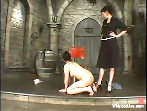 BDSM,Femdom,Slave,Bondage Luscious Asian chick is going to go...