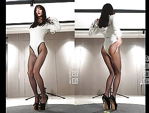 Asian;Lingerie;18 Year Old;Boots;High Heels;Pantyhose;Lingeries;Dance;Lingerie Dance;Heels;HD Videos;60 FPS Dance in pantyhose and heels 6