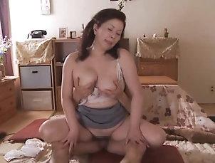 Asian,Japanese,Mature Amateur,Mature Chizuru Iwasaki gets her pink slit...