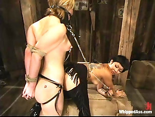 BDSM,Slave,Femdom Asian diva Dragon Lily is painsulting...