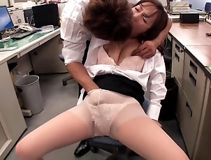 Couple,Hardcore,Asian,Japanese,Compilations,Reality,Office Pantyhose and skirt on a secretary...