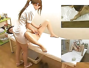 Massage,Asian,Japanese,Fingering Sexy Asian Babe Gets Her Hairy Pussy...
