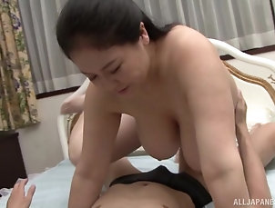 Couple,Japanese,Chubby,Big Tits,Natural Tits chubby and busty Hagi Azusa ramming ...