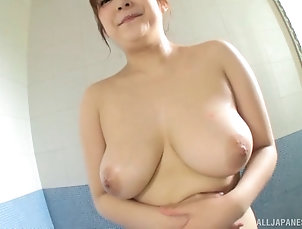 Solo Models,Masturbation,Asian,Japanese,Big Tits,Big Nipples,Natural Tits,Oiled Aino is very proud of her curvaceous...